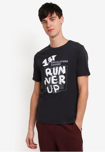 Topman black Topman Design Black Runner T-Shirt TO413AA0RXURMY_1