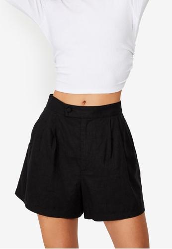Cotton On black Sunset Pleats Shorts 6016BAA3386A3BGS_1