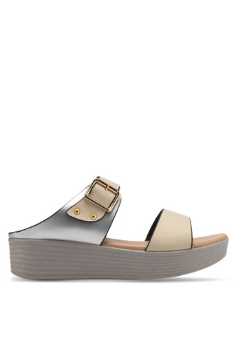 Spiffy silver and gold Dual Strap Buckle Platform Sandals SP352SH0SRXAMY_1