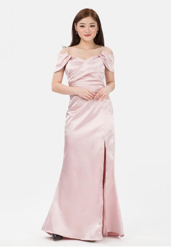 The Pink Label pink Off Shoulder Sateen Slit Long Dress in Pink A7FF7AA02B1863GS_1