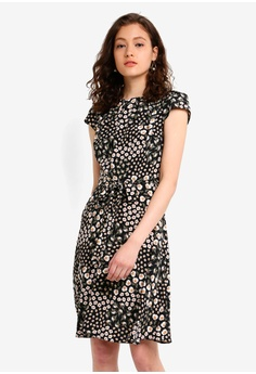 76e6cd5484 Dorothy Perkins black Billie & Blossom Black Ditsy Print Fit And Flare Dress  C6EF7AAB1564FDGS_1