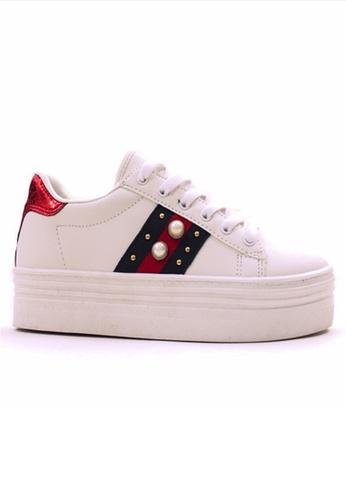 Crystal Korea Fashion 白色 韓國製拼色系帶珍珠厚底鞋 C5E6FSH33E9D36GS_1