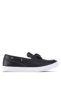 ZALORA black Faux Leather Slip-On With Tassels DA7C6SHCD9C1D6GS_1