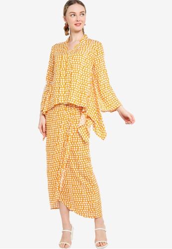 Lubna white and yellow Handkerchief Kebaya With Draped Skirt 72CE6AA676DBDAGS_1