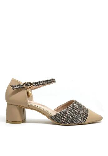 Twenty Eight Shoes beige Check Pattern Mid Heels 1802-5 C549ESH87EB323GS_1
