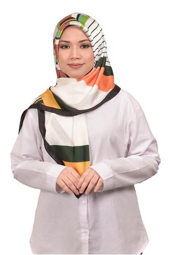 FATIMÉ multi Satin Square Hijab Block (Green) 3D94EAAC384550GS_1