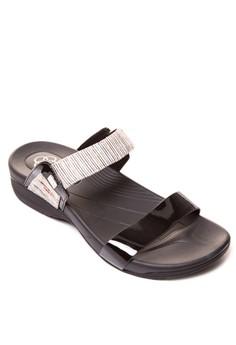 Leriza Wedge Slides