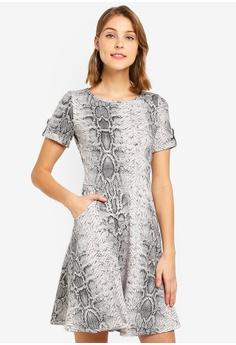 fc29c3437cd5 Dorothy Perkins black Snake Print T-Shirt Dress 8851EAA7164E5DGS_1