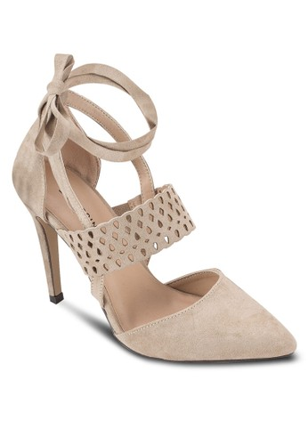 Umoassa 鏤空帶尖頭高跟鞋、 女鞋、 鞋CallItSpringUmoassa鏤空帶尖頭高跟鞋最新折價