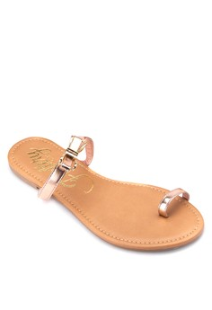 Flat Sandals with Jewel Design and Toe Ring