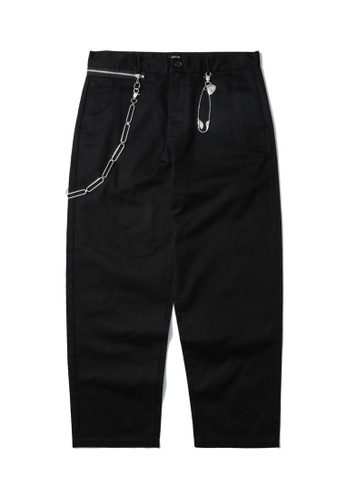 Fivecm black Chain embellished tapered pants FE21BAA31ED74BGS_1