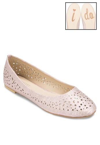 雕花圓頭平底鞋、 女鞋、 鞋Velvet雕花圓頭平底鞋最新折價