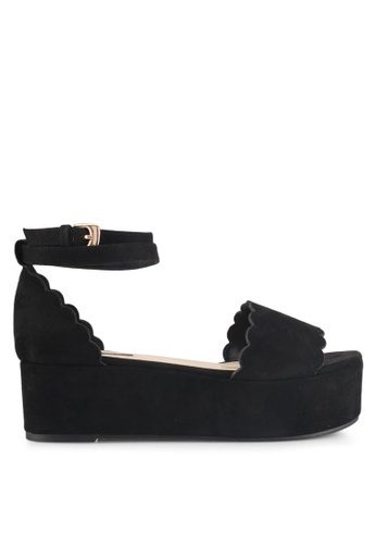 ZALORA 黑色 Scallop Edges Low Wedges DAADDSH5D4AF97GS_1
