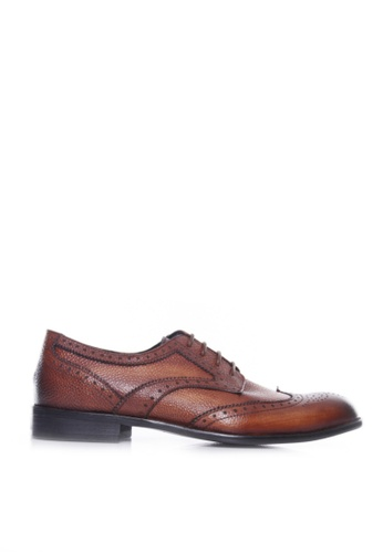 Zeve Shoes brown Zeve Shoes Derby Brogue Wingtip - Cognac Tan Pebble Grain Leather Lace Up (Hand Painted Patina) 2C100SH4845CD8GS_1