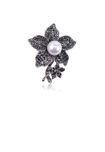 Glamorousky black Fashion and Elegant Plated Black Flower Imitation Pearl Brooch with Cubic Zirconia F18C2AC04FE603GS_1