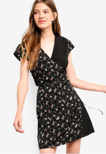 Something Borrowed black Printed Wrap Dress BDD0AAADCFE9C9GS_1
