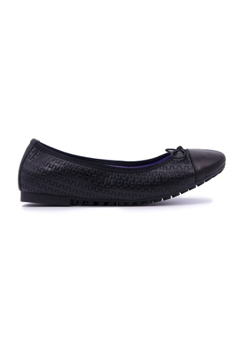 Flatss & Heelss by Rad Russel black Simple Toe Cap Flats - Black ACF46SHE999082GS_1