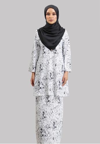 Lady Qomash black and white Sofina Kurung Modern 8F546AAD33A088GS_1