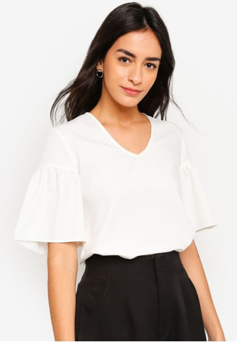 ZALORA white Flare Sleeves Blouse 7E0B4AA1DF8E45GS_1