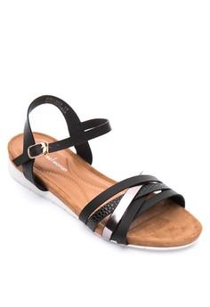 Aira Flat Sandals