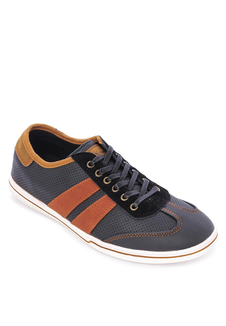 Bryan Lace-up Sneakers