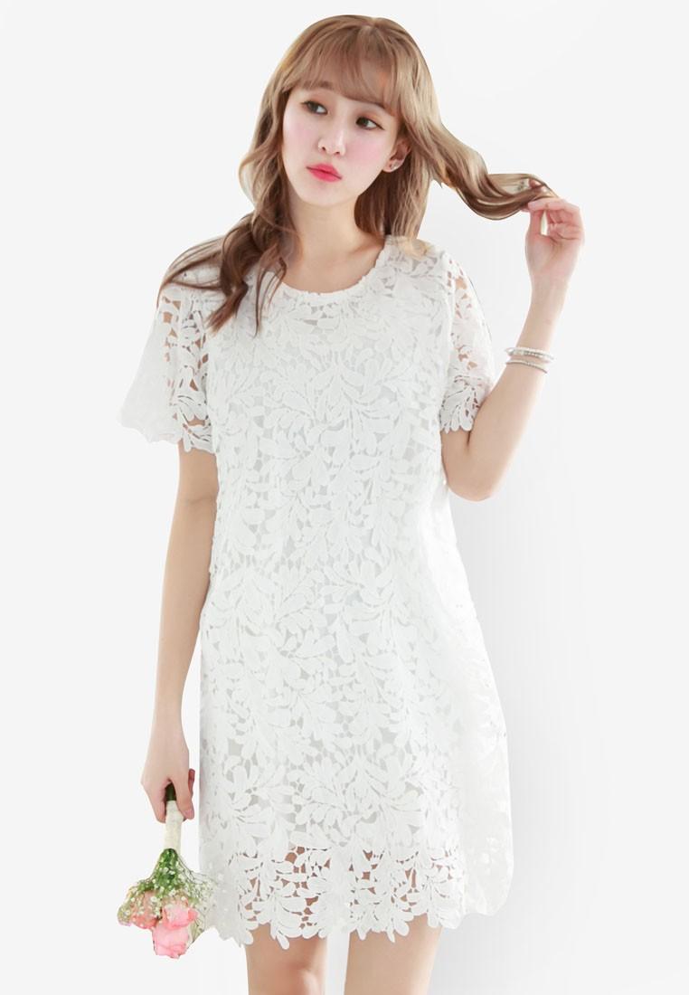 Round Neck Lace Shift Dress