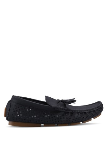 UniqTee black Slip On with Tassels and Peforated Detail 69428SH79A574FGS_1
