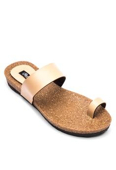 Kathleen One-Toe Strap Flat Sandals