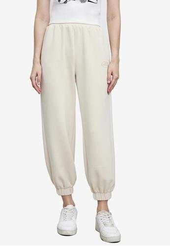 URBAN REVIVO beige Casual Trousers F69B6AA6641620GS_1