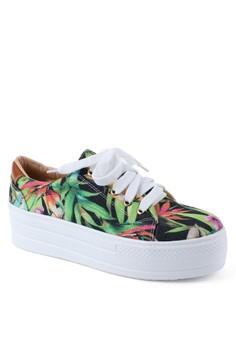 Trinity Sneakers