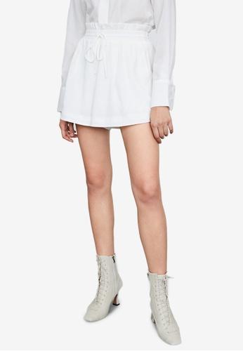 URBAN REVIVO white Casual Shorts E6BDDAAF17A1DDGS_1