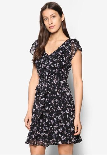 Billie & Blossom Petite V 領印花洋裝、 服飾、 洋裝DorothyPerkinsBillie&BlossomPetiteV領印花洋裝最新折價