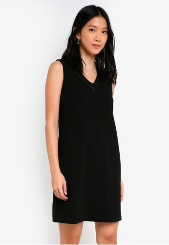 ZALORA black PU Neckline Dress EAC7BAAD295CEFGS_1
