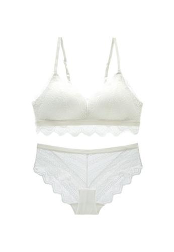 W.Excellence white Premium White Lace Lingerie Set (Bra and Underwear) 430ADUSB99D180GS_1