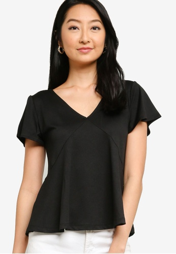 ZALORA BASICS 黑色 V領褶飾上衣 E591DAA483CC5AGS_1