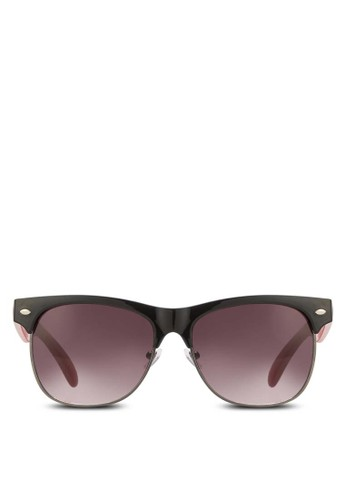 Compston 太陽眼鏡、 飾品配件、 飾品配件CallItSpringCompston太陽眼鏡最新折價