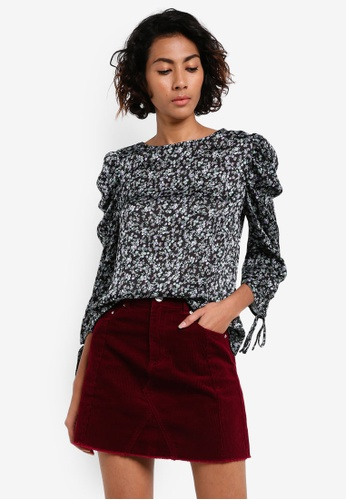 Dorothy Perkins black Black Ditsy Puff Sleeve Top DO816AA0RV2QMY_1