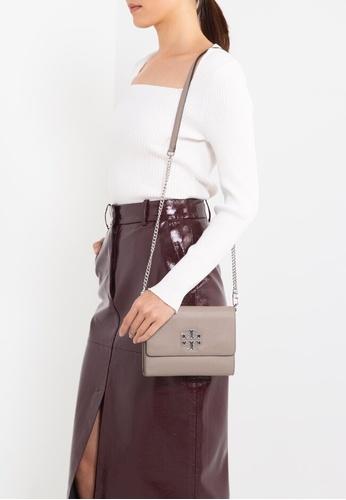 Tory Burch grey Britten Chain Wallet Bag (NT) 2FEFBAC928747FGS_1