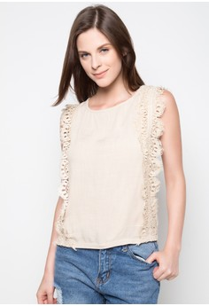 Round Neck With Lace Applique