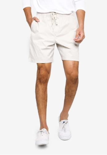 GAP beige 7 Inch Easy Shorts CA444AA401335CGS_1