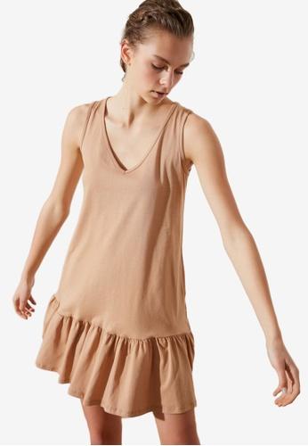 Trendyol brown V-Neck Ruffle Dress 6616FAA2D05433GS_1