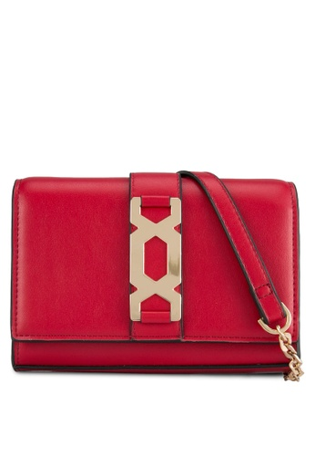 TOPSHOP red Rome Hex Hardware Cross Body Bag TO412AC0SHI4MY_1