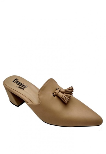 Ohrelle beige Megan Pointed Mule by Floppies OH449SH0KRSFPH_1