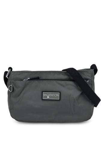 Bagstationz green Contrast Zip Nylon Mini Sling Bag F7660ACB16EFD1GS_1
