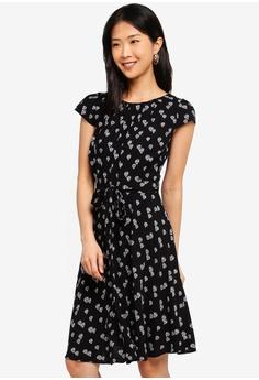 c8b971c31c7 Dorothy Perkins black Petite Black Balloon Dress 86EA0AA7B8B658GS 1