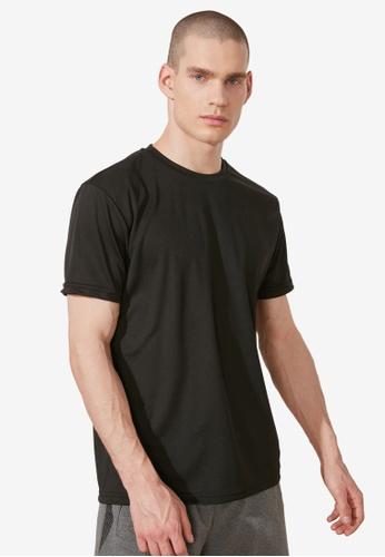 Trendyol black Regular Fit Crew Neck T-Shirt 8894FAA1F36D56GS_1