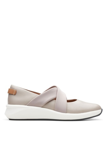 Clarks CLARKS Un Rio Cross Stone Leather Women's Sport Shoes 42DD1SH709E5B7GS_1