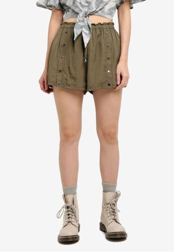 Something Borrowed green Snap Button Drawstring Shorts 2B8C3AA09D4E72GS_1