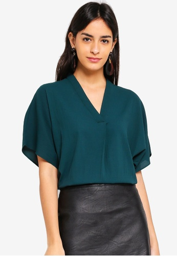 Vero Moda green Amy 2/4 V-neck Top 38109AA907335FGS_1