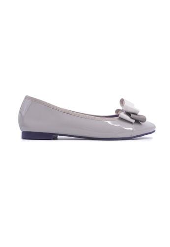 Flatss & Heelss by Rad Russel 灰色 Glossy Elegant Ribbon Flats - Grey 9ACFCSH0073DA4GS_1